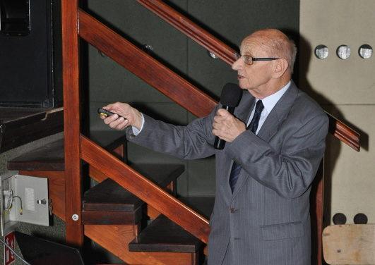 prof. dr hab. Zbigniew Szybiński